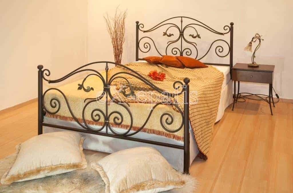 μεταλλικό κρεβάτι μυρτώ 132
